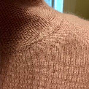 Sweaters - Soft knit turtleneck top In mauve